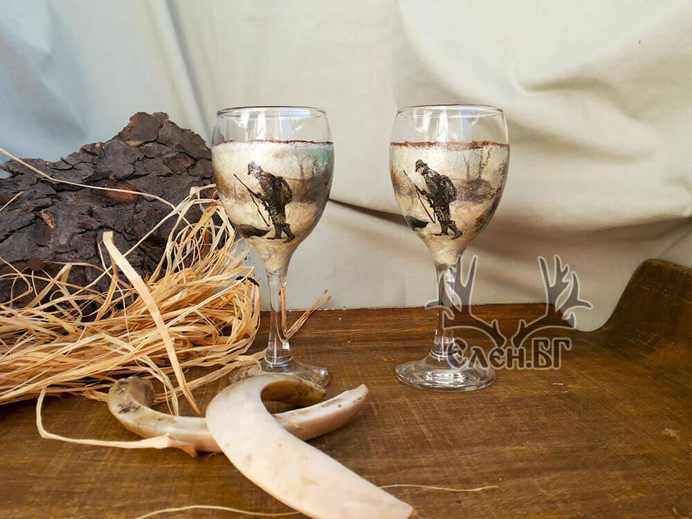 """Бутилка и чаши за ракия със столче """"През погледа на ловеца"""""""