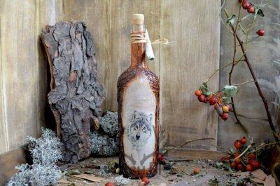 бутилка с прасе и вълк