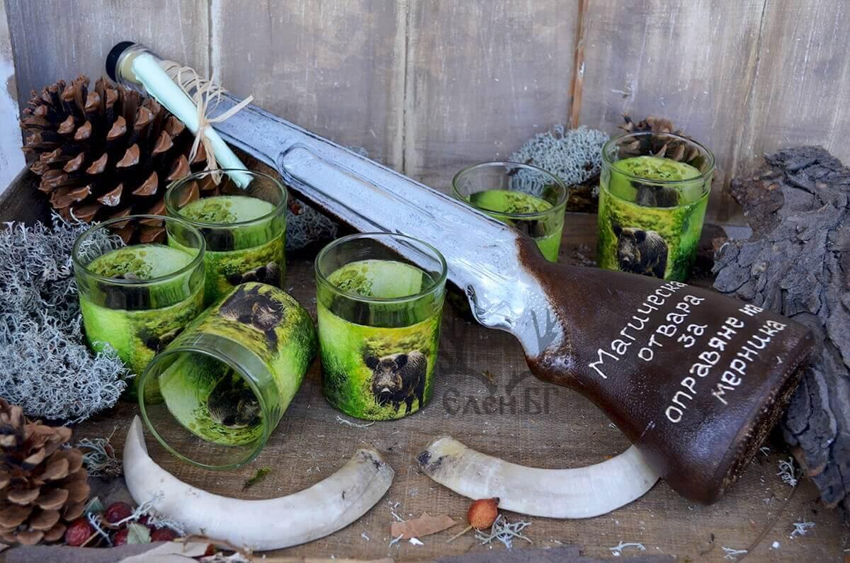 Ловен сервиз с глигани и бутилка пушка