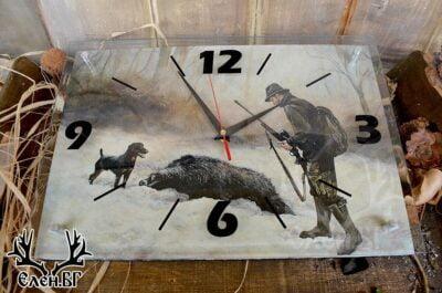 Ловен стенен часовник