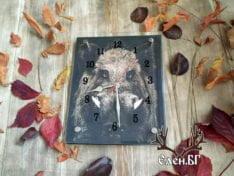 стенен часовник с диво прасе
