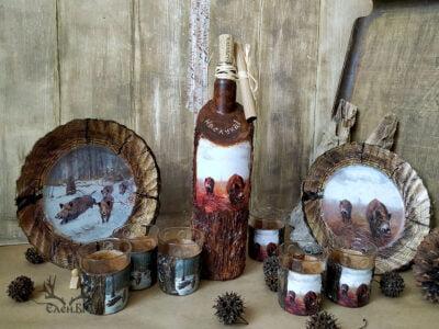 бутилка, чаши и чинии с ловен мотив